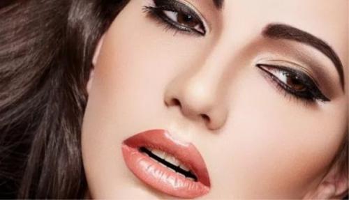 Бальзам для губ после татуажа. Как ухаживать за губами после процедуры татуажа и нужна ли коррекция?