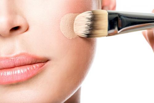 Что нужно для макияжа глаз. Что нужно для макияжа из декоративной косметики