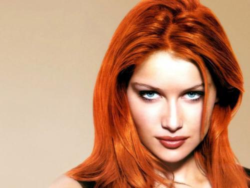 Одежда к рыжим волосам. Совет 1: Какие цвета в одежде подходят к рыжему цвету волос