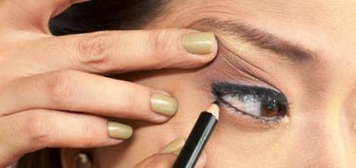 Как красиво накрасить глаза карандашом и тушью. Как научится красиво красить глаза карандашом