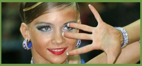 Макияж для бально спортивных танцев (фото).