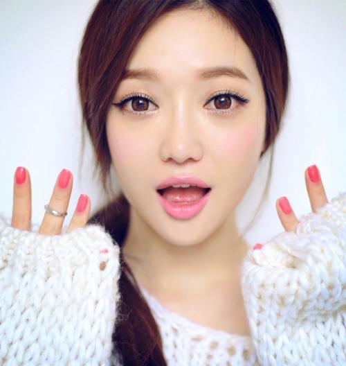 Как сделать глаза узкими, как у кореянок. Что такое корейский макияж?