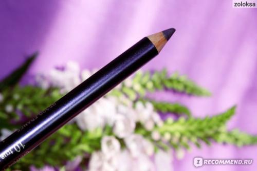 Фиолетовый карандаш для глаз. Стойкий двусторонний карандаш для глаз с кистью, в оттенке #10 (фиолетовый), очень красивый и качественный. Фото и макияж!
