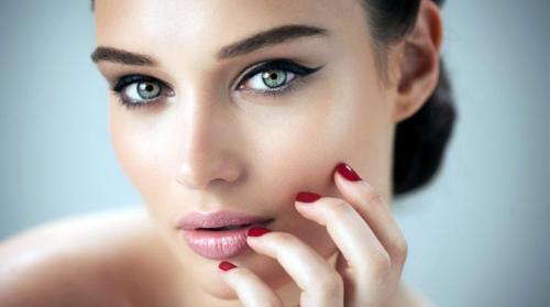 Плюсы и минусы татуаж глаз. Плюсы перманентного макияжа