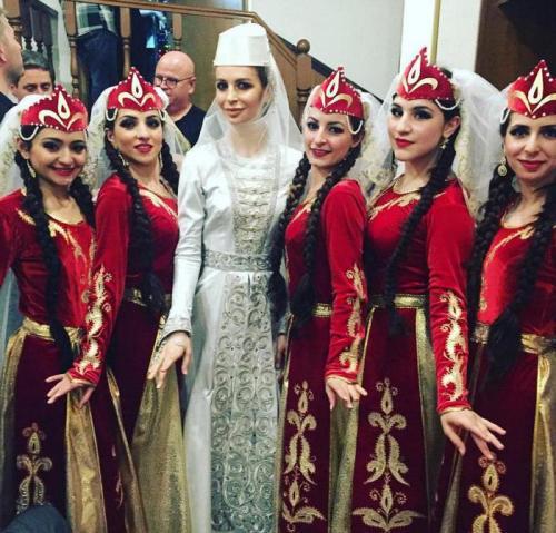 Грузинские женщины, какие они. Грузинские девушки: внешность, воспитание, имена