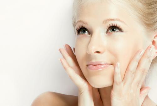 Эффективные отбеливающие маски для лица в домашних условиях. Делаем отбеливающую маску для лица в домашних условиях