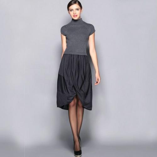 Теплые платья с чем носить. Правила ношения тёплых платьев без рукава