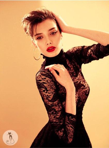 Прическа и макияж для маленького черного платья