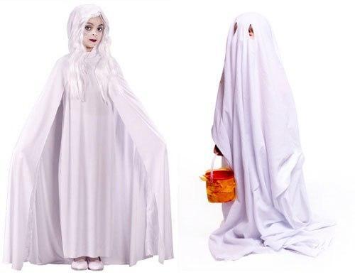 Человек одетый в одежду. Как сделать костюм привидения.