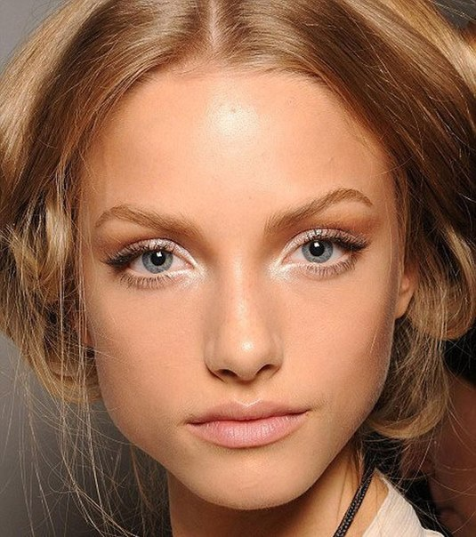 Красивый макияж для голубых глаз (50 фото)