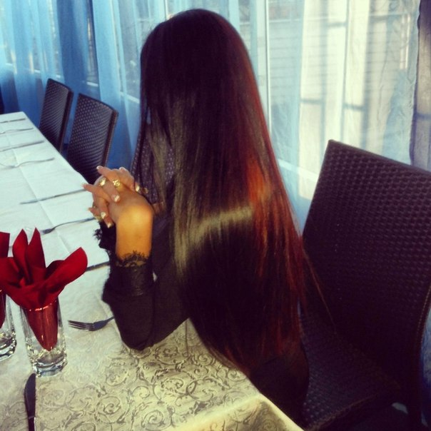 Фото красивых брюнеток с длинными волосами на аву