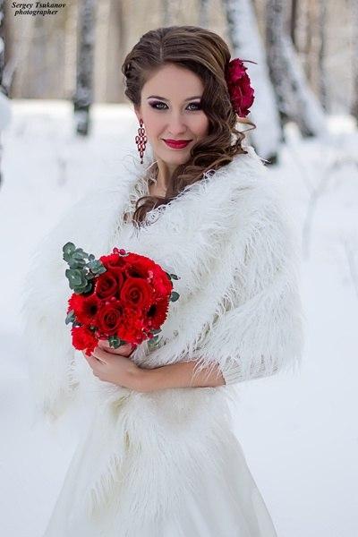 Свадебный макияж с красной помадой для блондинок фото