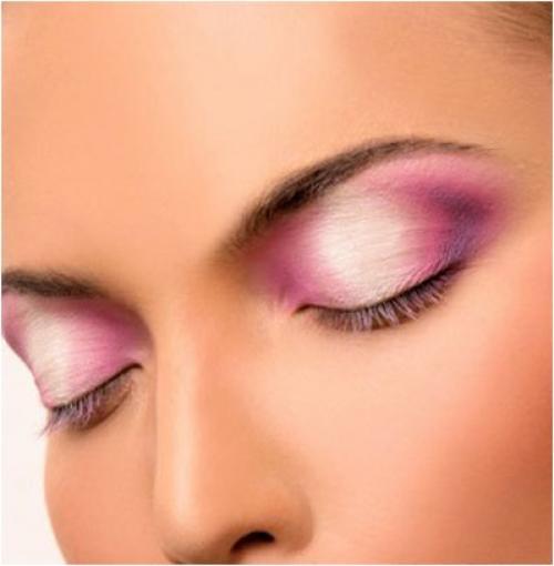 Горизонтальный макияжа
