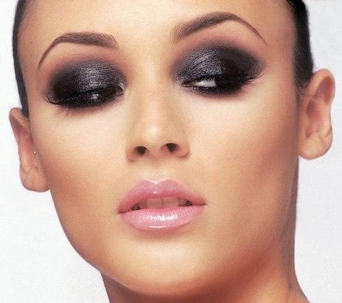 Секреты макияжа: как быть красивой.