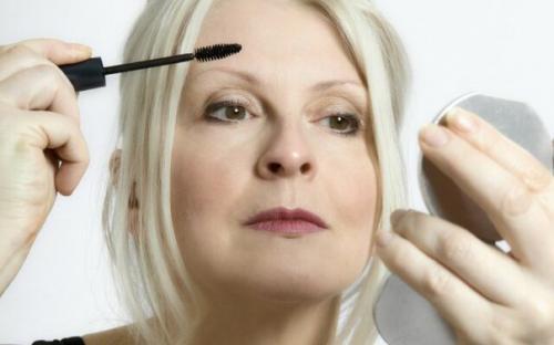 Секреты в макияже глаз. Секреты возрастного макияжа.