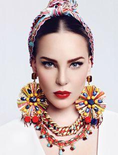 Макияж в испанском стиле. Из массы вариантов вечернего макияжа рекомендуем выбрать испанский.