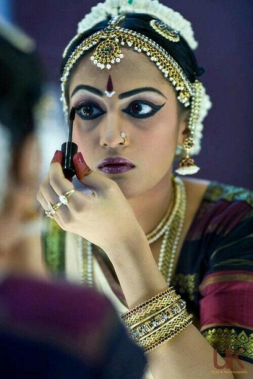 Индийский макияж для девушек: пошаговое нанесение или как 10