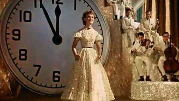 """Биография Гурченко. """"Пять минут, пять минут. Это много или мало. """" Еще сама Гурченко про это пела."""