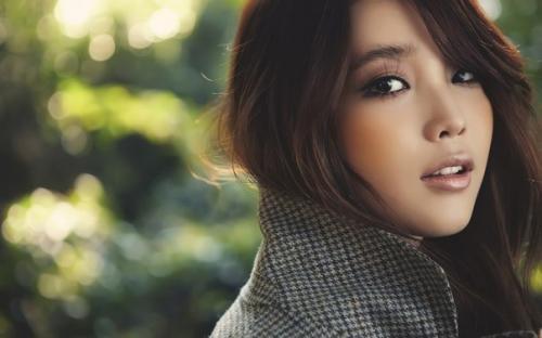 Как сделать корейские стрелки. Многих девушек интересует вопрос: как сделать корейский макияж?