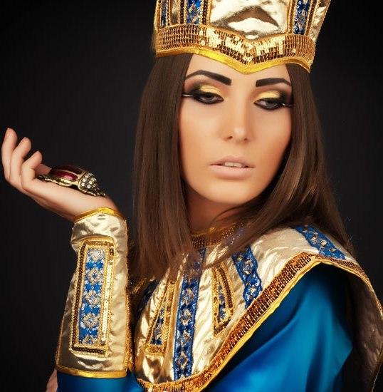 Прическа в египетском стиле. Стильные штучки.  Египетский стиль в одежде и прическах.