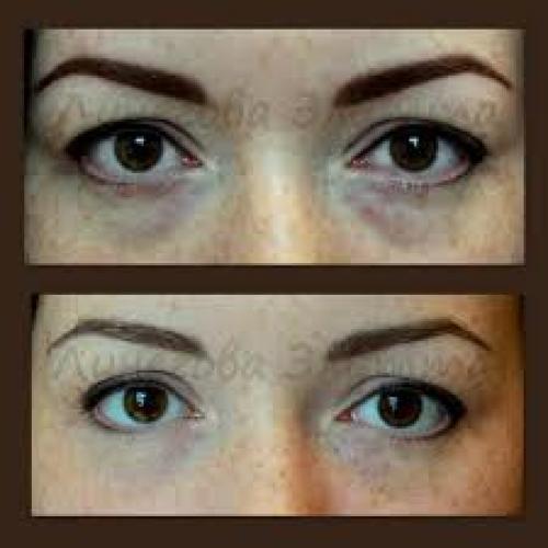 Для раскрытия глаза и приобретения здорового выражения лица наносим небольшое количество серых теней по косточке.