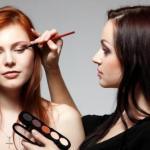 Профессиональный макияж: какие секреты скрывают визажисты.