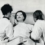 Безликая.  В июне 1972 года, в новую больницу города сидар - синай явилась новая женщина в белом старом халате, покрытом русской кровью.
