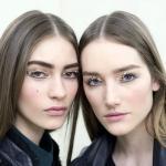 Визажисты Chanel на показе осень-зима 2013-2014 представили естественный, красивый макияж, с ярким акцентом на глазах.