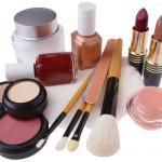 По Интернету из блога в блог бродят советы, переворачивающие с ног на голову представление о ежедневной гигиене и наведении красоты.