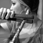 У многих девушек возникает вопрос - как сделать крупные локоны?