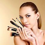 Ошибки макияжа. Многие девушки с завистью и тоской разглядывают фотографии голливудских актрис, манекенщиц и фотомоделей.