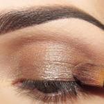Праздничный макияж.  Урок макияжа для темного оттенка глаз.