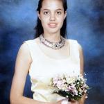 Анджелина Джоли на школьном выпускном.