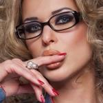 Дорогие наши Леди. Предлагаем Вам Базовый профессиональный курс «Салонный макияж».