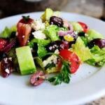 Греческий салат.  Ингредиенты:
