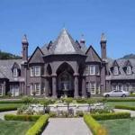 Дом в готическом стиле.