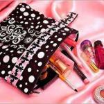 10 необходимых вещей у косметичке для дамской сумочки?