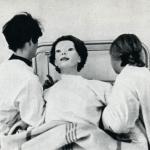 БезликаяВ июне 1972 года, в больницу города Сидар-Синай явилась женщина в белом халате, покрытом кровью.