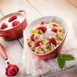 Каши.  1 место - гречневая каша (самая витаминная) - 120 ккал в 100 гр.