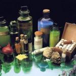 15 вещей для красоты, необходимых в домашней аптечке.