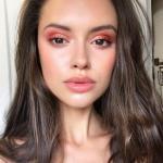 5 способов закрепить макияж на лице.