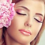 Легкий, нежный макияж идеально дополнит ваш дневной образ.