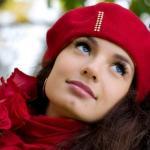 Известны и очень популярны среди женщин перманентные макияжи глаз, губ и бровей.